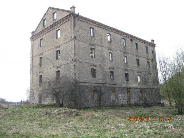 Водяная мельница в д. Агародники